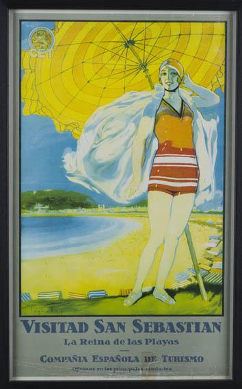 Cartel publicitario anunciando la ciudad de San Sebastián y sus playas, en el que aparece una bañista con un bañador de los años 30 de color rojo y con gorro a juego. Tras ella vemos una sombrilla abi