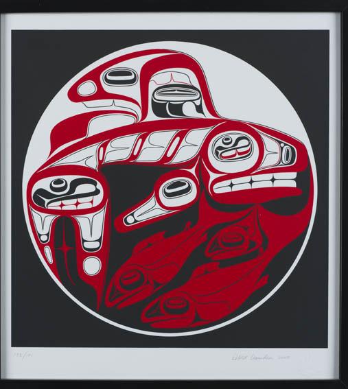 Serigrafía en soporte de papel de una orca y dos salmones en colores negro y rojo, siguiendo la estética de la cultura nativa Haida, tribu nativa del ártico americano. Realizada en 2008, es obra del a