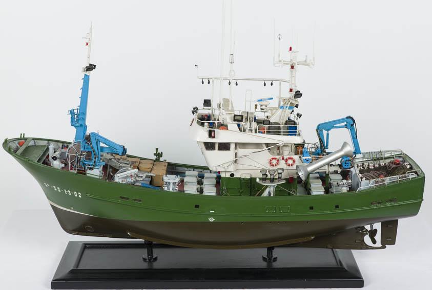 Modelo que representa al pesquero de bajura