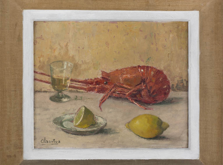 Oleo sobre tablex de Pelayo Olaortua, que representa un bodegón de una langosta cocida junto a un vaso con bebida y en primer plano un limón y medio. Olaortua fue un pintor vizcaíno nacido en Guernica