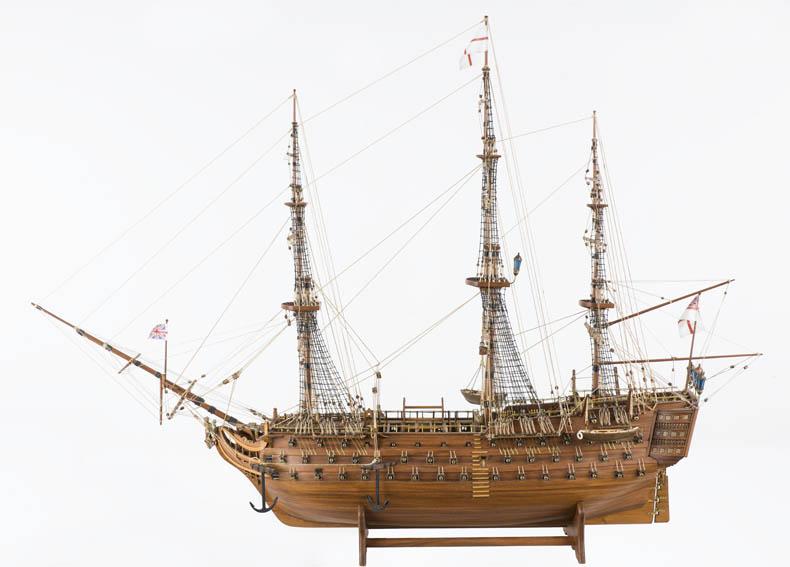 """Es un modelo a escala del navío """"HMS Victory"""" que participó batalla de Trafalgar de 1805 a las ordenes del almirante Horatio Nelson y contaba con 104 cañones. Tras esa batalla el barco se quedó en el"""