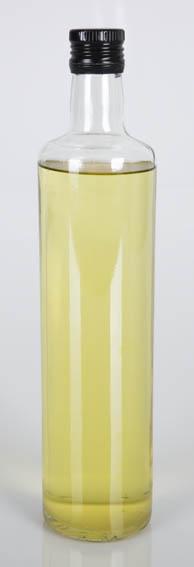 El aceite de ballena o saín, en este caso está extraído de un cachalote,  es un aceite procedente de cocer la grasa de las ballenas hasta conseguir un aceite. Hasta la aparición del queroseno era el p
